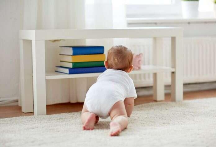 बाळाचे रांगणे - एक विकासाचा टप्पा