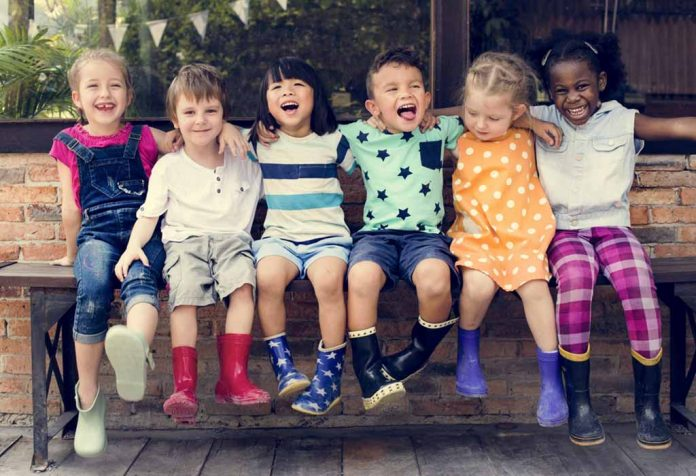 Kindergarten Age in USA - What Age Do Kids Start School (A Guide For Parents)