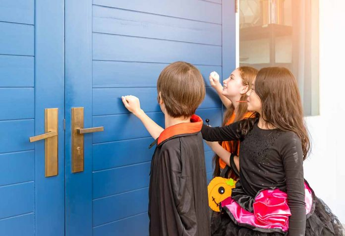 Trick-or-Treating for Kids - Tips for Preparation & Safety