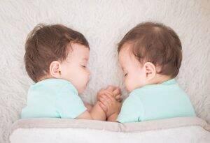 जुळ्या बाळांची गर्भधारणा कशी होते?
