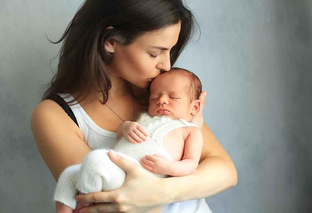 तुमचे १ आठवड्याचे बाळ - विकास, वाढीचे टप्पे आणि काळजी