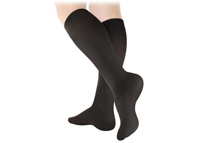 Should You Wear Compression Socks When Pregnant?