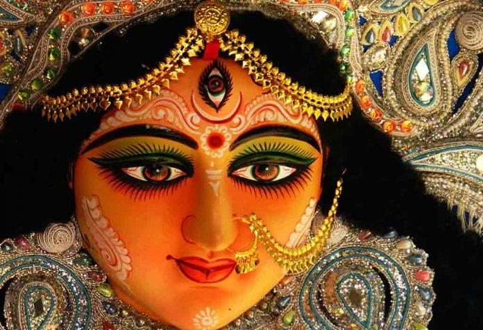 दुर्गा पूजा के लिए 10 प्रसिद्ध आरती और भजन