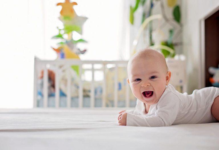 तुमचे १५ आठवड्यांचे बाळ – विकास, वाढीचे टप्पे आणि काळजी