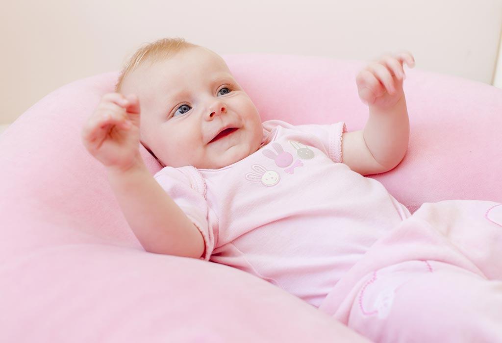 तुमचे १९ आठवड्यांचे बाळ - विकास, वाढीचे टप्पे आणि काळजी