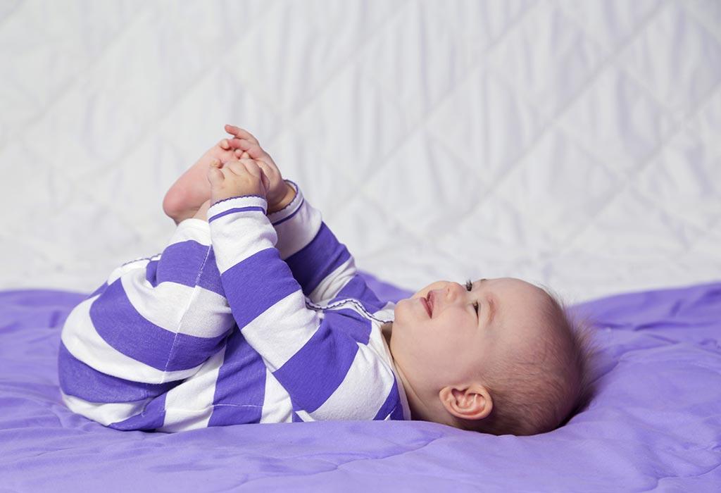 तुमचे २५ आठवड्यांचे बाळ - विकास, वाढीचे टप्पे आणि काळजी
