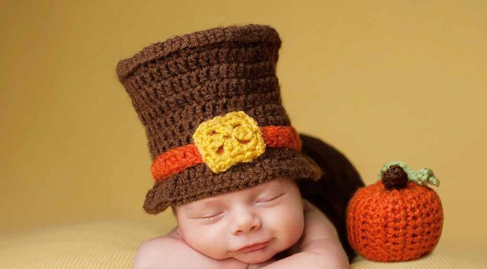 Unique Ways to Celebrate Your Baby's First Thanksgiving