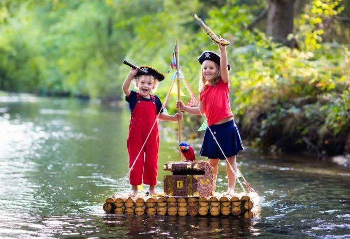 kids enjoying pirate role play