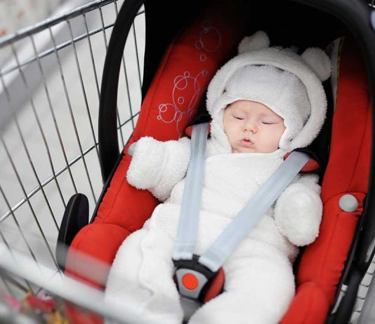 Things Parents Should Be Aware of While Putting a Car Seat on a Shopping Cart