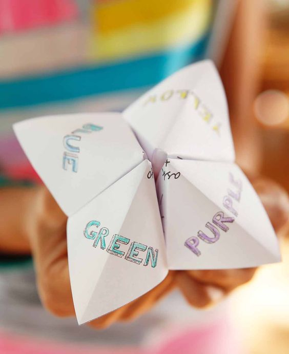 DIY Cootie Catcher For Children - Step By Step Instructions