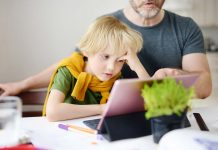 parent pressurising kid for online classes