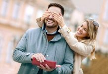 Best 6th Year Anniversary Gift Ideas for Your Loved One