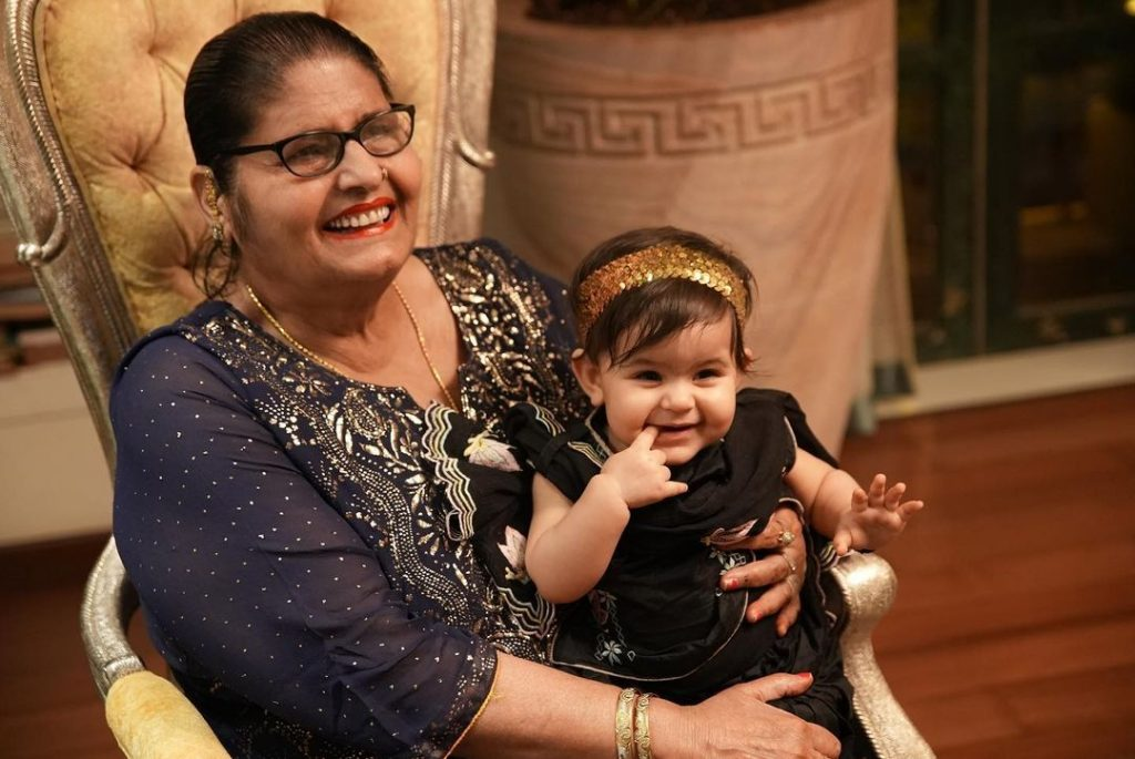 Kapil Sharma mother and daughter