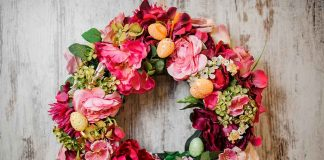 12 Simple DIY Spring Wreath Ideas
