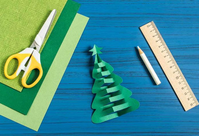 10 Simple Christmas Tree Crafts for Kids