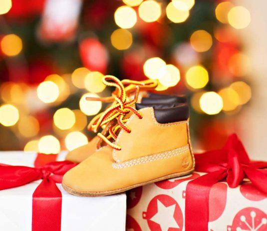 Beautiful Christmas-Themed Baby Shower Ideas