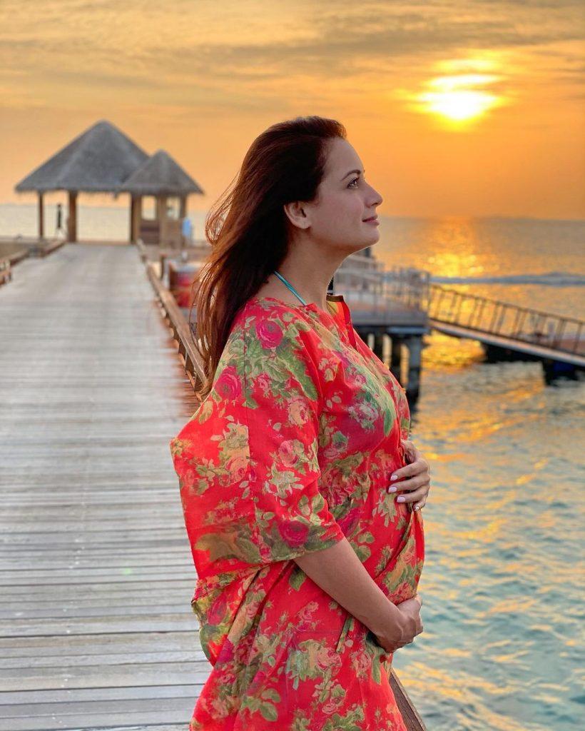Dia Mirza Cradling her Baby Bump