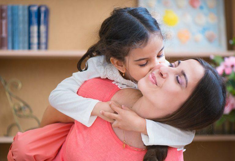 भारतातील एकल पालकांसाठी दत्तक प्रक्रिया – नियम आणि पात्रता