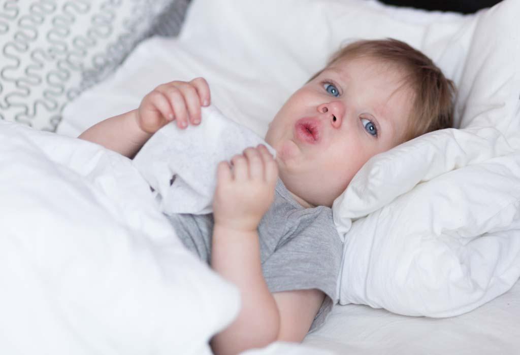 तुम्ही लहान बाळे आणि मुलांना सर्दी खोकल्यासाठी औषधे द्यावीत का?