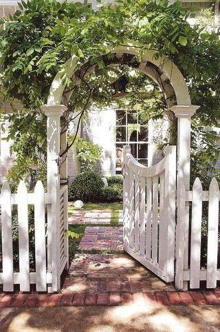 Front Yard Fencing Gates