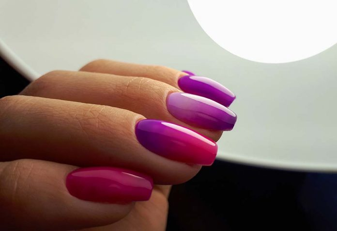 BEAUTIFUL AND STUNNING OMBRE NAIL IDEAS THAT EVERYONE WILL LOVE