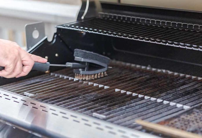 How to Clean a Grill the Right Way