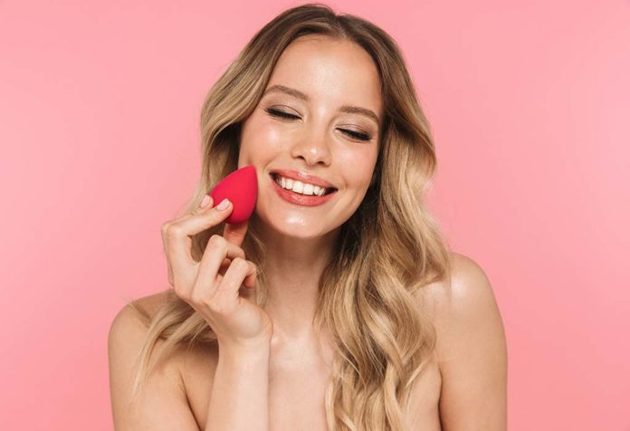 HOW TO CLEAN A BEAUTY BLENDER -TIPS AND TRICKS