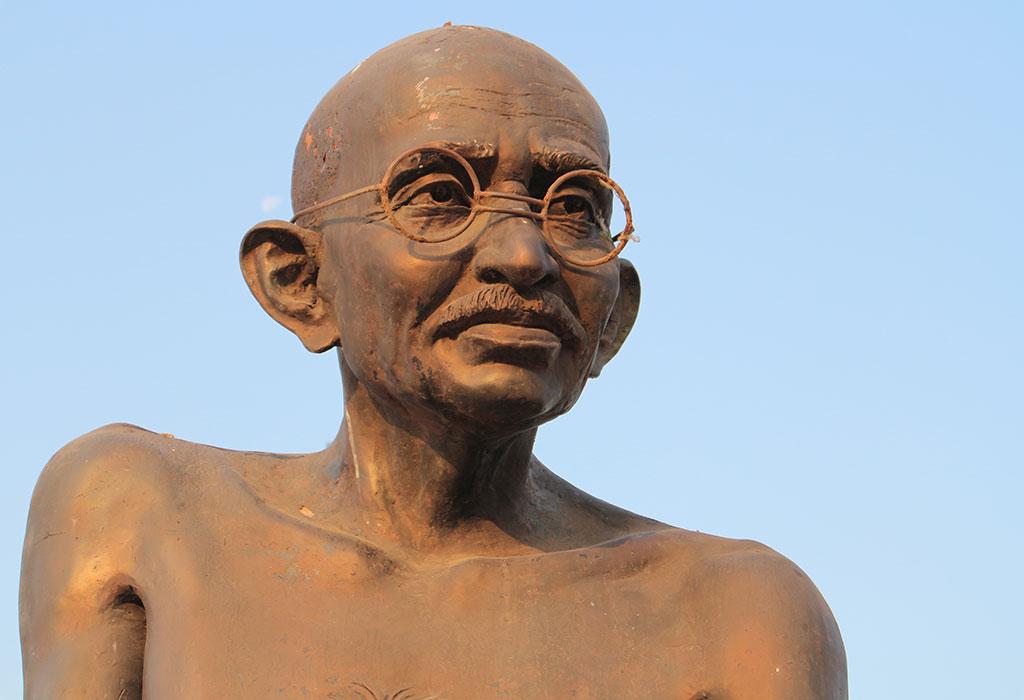 लहान मुलांसाठी महात्मा गांधींजींची माहिती